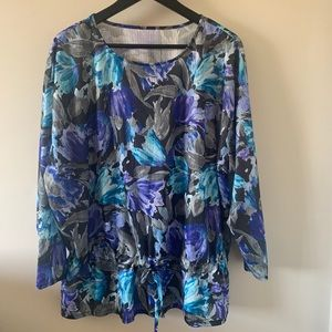 2/$18 Billowy / Floral / Blouse / Tie at waist